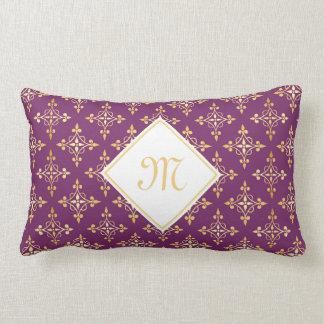 Púrpura de lujo y oro Quatre del monograma floral Cojín