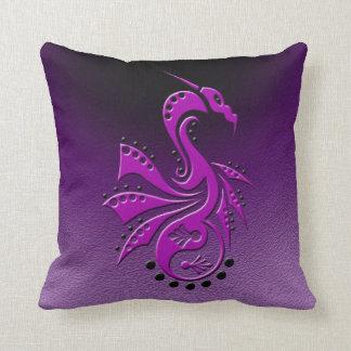 Púrpura de Yin Yang del dragón 1 Almohadas