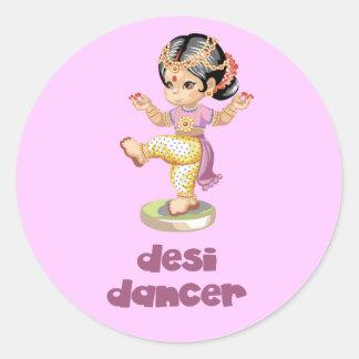 Púrpura del bailarín de Desi Pegatina Redonda