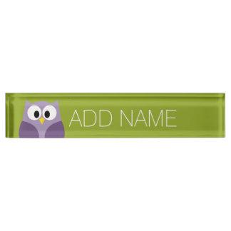 Púrpura del búho del dibujo animado y nombre