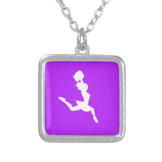Púrpura del collar de la silueta de la alegría