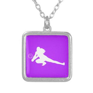 Púrpura del collar de la silueta del empuje