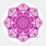 Púrpura del copo de nieve pegatina redonda