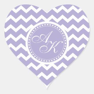 Púrpura del monograma de Chevron y blanco retros Pegatina En Forma De Corazón