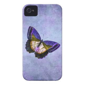 Púrpura del vintage y ejemplo de la mariposa del o iPhone 4 cárcasas