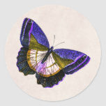 Púrpura del vintage y ejemplo de la mariposa del etiqueta redonda
