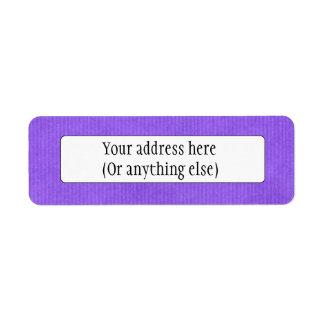Púrpura detallada explorada de la textura del pape etiquetas de remite