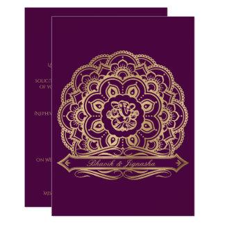 Púrpura e invitación india del boda de la mandala