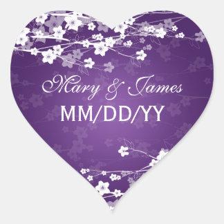 Púrpura elegante de la flor de cerezo de la fecha pegatina en forma de corazón