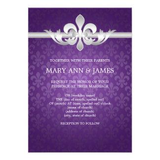 Púrpura elegante de la flor de lis del boda invitaciones personales