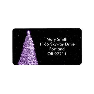 Púrpura elegante del árbol de navidad etiqueta de dirección