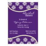 Púrpura elegante e invitación nupcial de la ducha