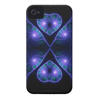 Púrpura estérea del fractal del corazón del amor iPhone 4 funda