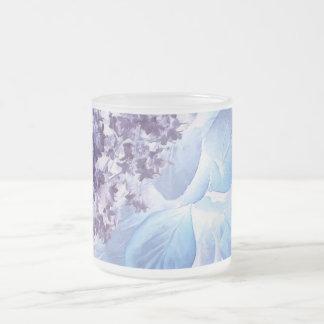 Púrpura etérea y azul del invierno taza de cristal