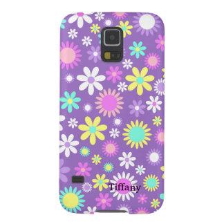 Púrpura femenina bonita con las flores de encargo funda de galaxy s5