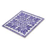 Púrpura fresca de la teja inglesa antigua