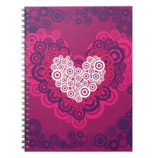 Púrpura fresca de las rosas fuertes del modelo del spiral notebooks