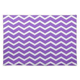 Púrpura intrépida de Chevron Mantel