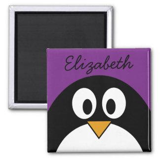 púrpura linda del pingüino del dibujo animado imán cuadrado