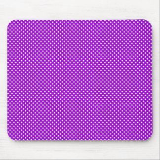 Púrpura neta del modelo con blanco mousepads