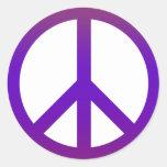 Púrpura oscura del símbolo de paz etiquetas redondas