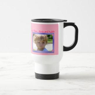 Púrpura personalizada de la taza con el capítulo r