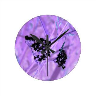Púrpura Relojes De Pared