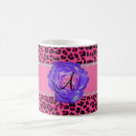 Púrpura rosada del leopardo del monograma subió taza
