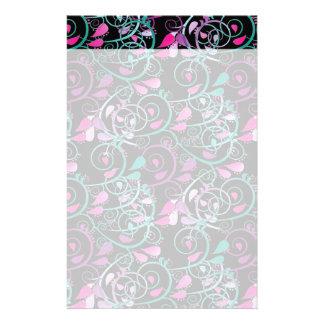 Púrpura rosada del trullo de los remolinos florale papelería