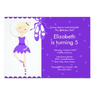 Púrpura rubia de la invitación del cumpleaños de