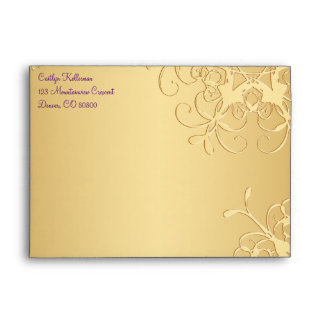 Púrpura, sobre de los copos de nieve del oro para