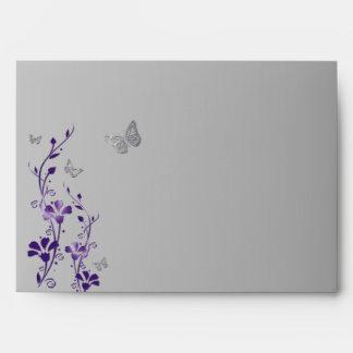 """Púrpura, sobre floral gris de la mariposa para 5"""""""