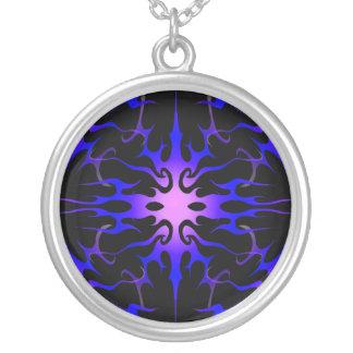 Púrpura tribal y azul del tatuaje de las llamas collares personalizados