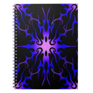 Púrpura tribal y azul del tatuaje de las llamas libros de apuntes