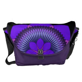 Púrpura tripartita Lotus de 80 pétalos Bolsas De Mensajería