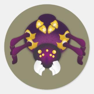 Púrpura y araña del oro pegatina redonda