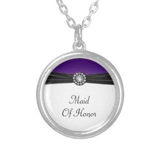 Púrpura y blanco con terciopelo negro y el boda de joyerías