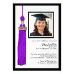 Púrpura y blanco de la invitación de la graduación