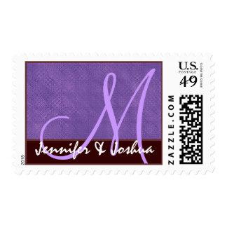Púrpura y chocolate del monograma de novia y del estampillas