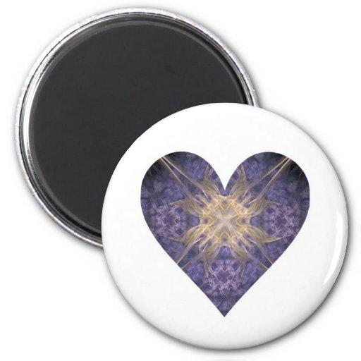 Púrpura y corazón del arte del fractal del oro imán redondo 5 cm
