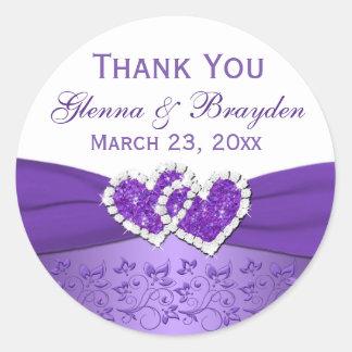Púrpura y corazones unidos blanco que casan al pegatinas redondas