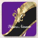 Púrpura y flor de lis del oro posavaso