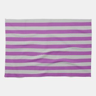 Púrpura y gris raya la toalla de cocina