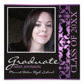 Púrpura y invitación de la graduación del damasco