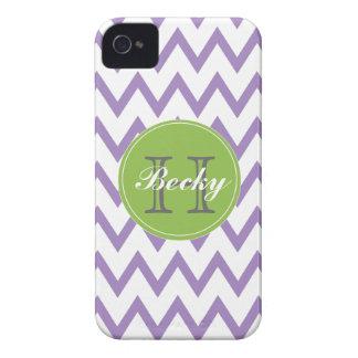 Púrpura y iPhone con monograma 4/4s de Chevron de  Case-Mate iPhone 4 Protector