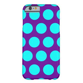 Púrpura y lunares de la aguamarina funda de iPhone 6 barely there