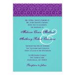 Púrpura y monograma del boda del damasco del vinta comunicados personalizados