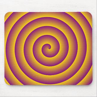 Púrpura y persona hipnotizada del oro tapete de raton