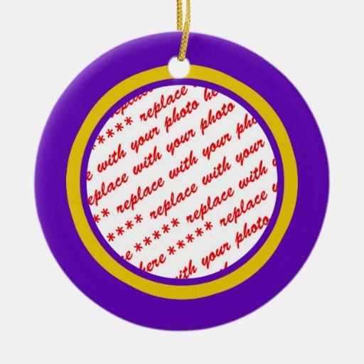 Púrpura y plantilla del marco de la foto del oro adorno redondo de cerámica
