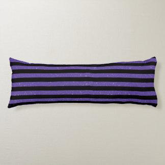 Púrpura y rayas negras del brillo almohada larga